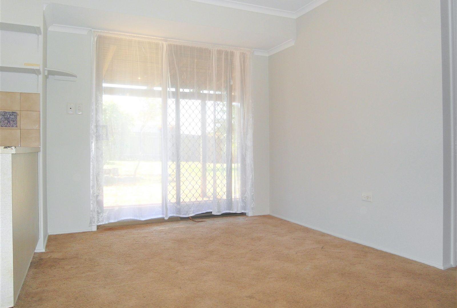 7 Dunemann Street, Kearneys Spring QLD 4350, Image 2