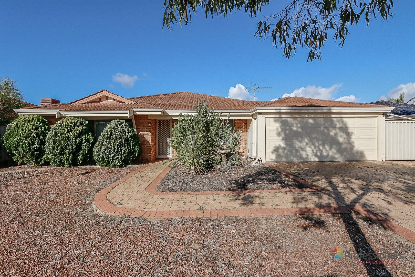15 St Stephens Crescent, Tapping WA 6065, Image 0
