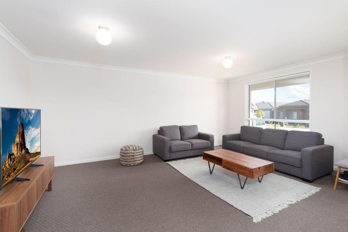 21 Scarlet St, Jordan Springs NSW 2747, Image 1