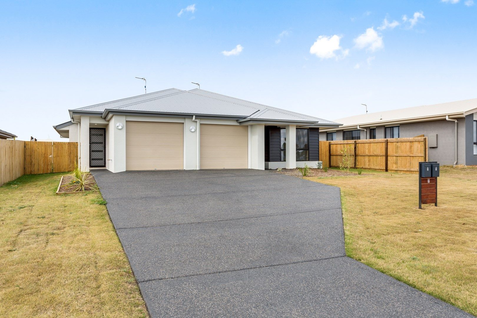 2/7 Myrtleford Crescent, Cambooya QLD 4358, Image 0