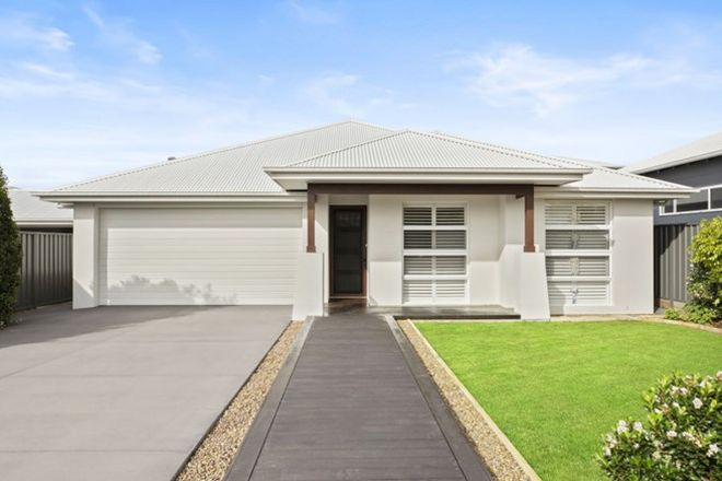 Picture of 3 Moorah Avenue, BLUE BAY NSW 2261