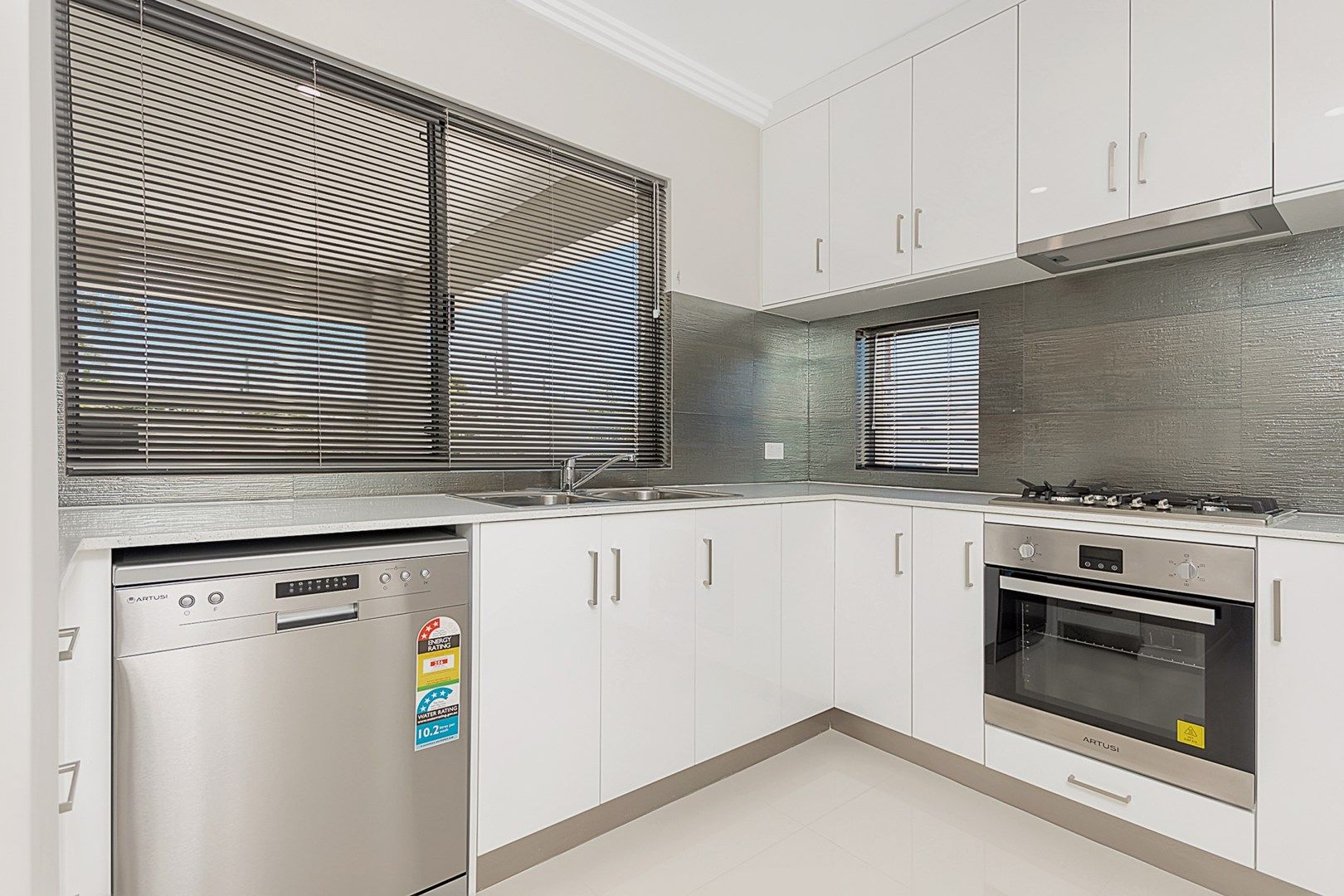 1/35 Stroughton Road, Westminster WA 6061, Image 0