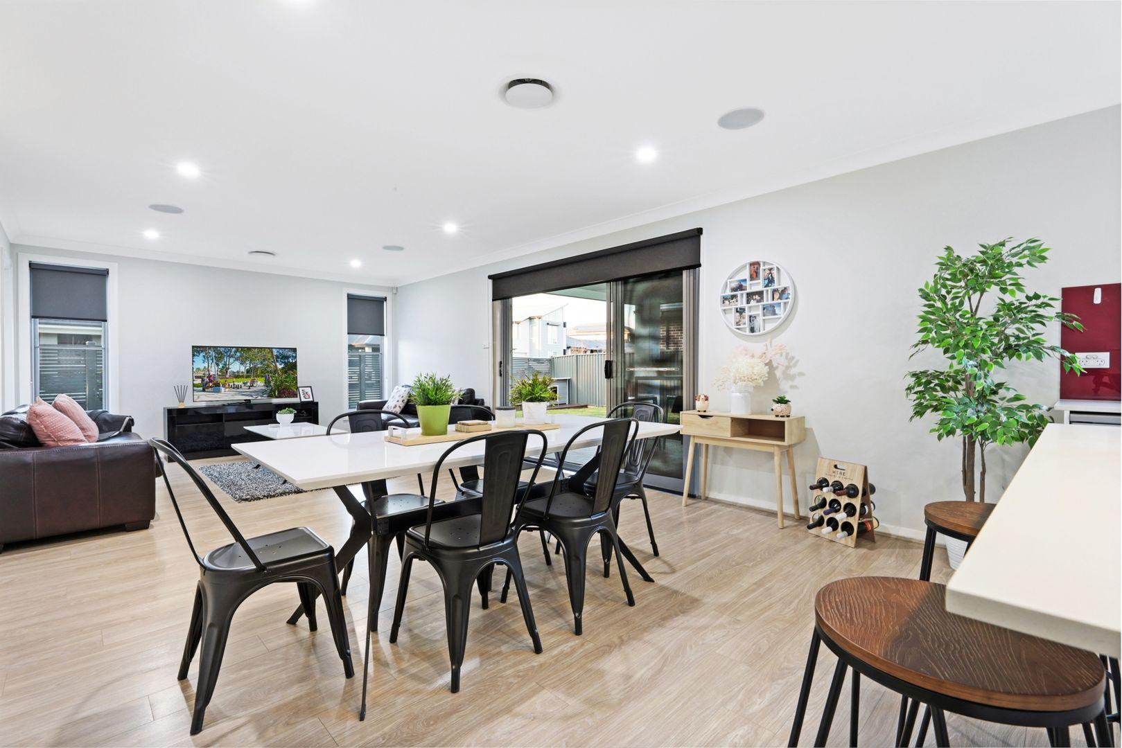 22 Armoury Road, Jordan Springs NSW 2747, Image 2