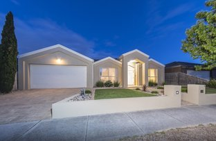 21 Hawthorn Grove, Taylors Hill VIC 3037