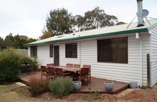 Picture of 1 Campbell Crescent, Moss Vale NSW 2577