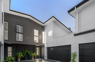 Picture of 2/64 Dickens Street, Norman Park QLD 4170