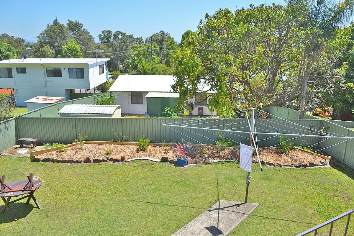 27 Mermaid Drive, Bateau Bay NSW 2261, Image 1