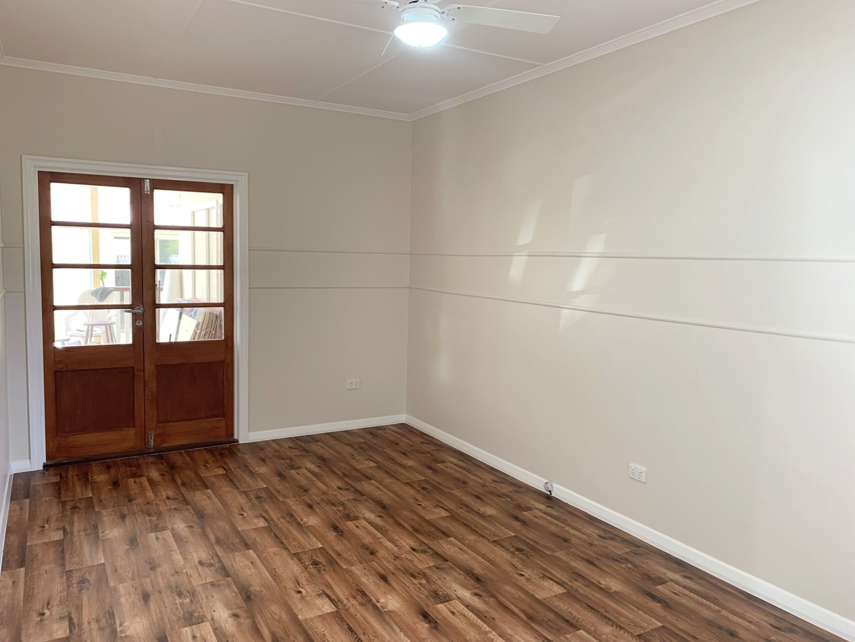 12 Short Street, Esk QLD 4312, Image 2