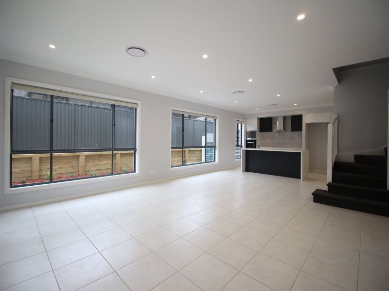 33 Arnold Avenue, Kellyville NSW 2155, Image 1