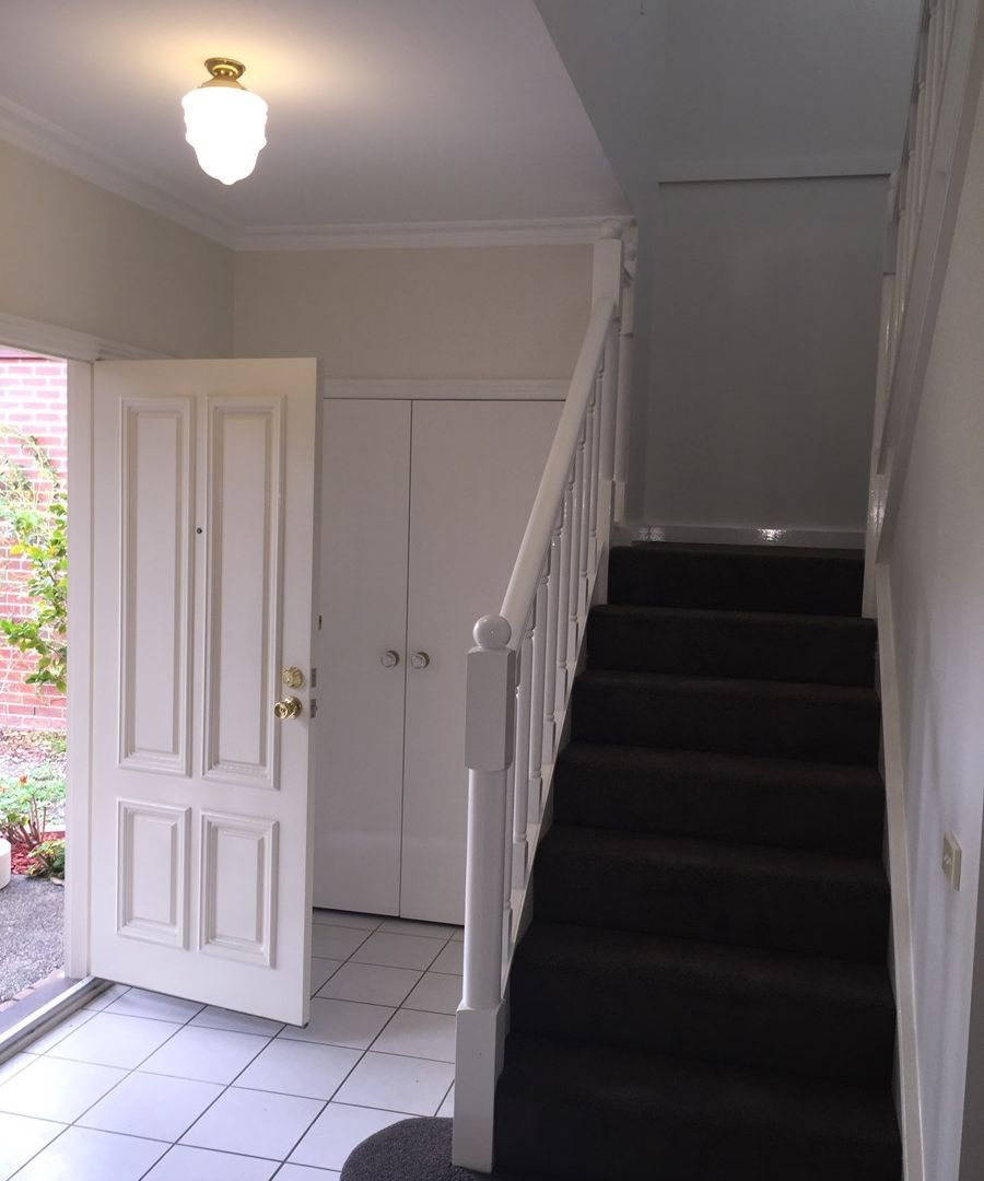 9 Hope Court, Kew VIC 3101, Image 2