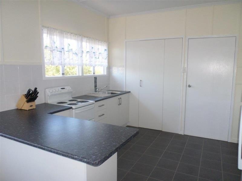 14 East Street, Wandoan QLD 4419, Image 2