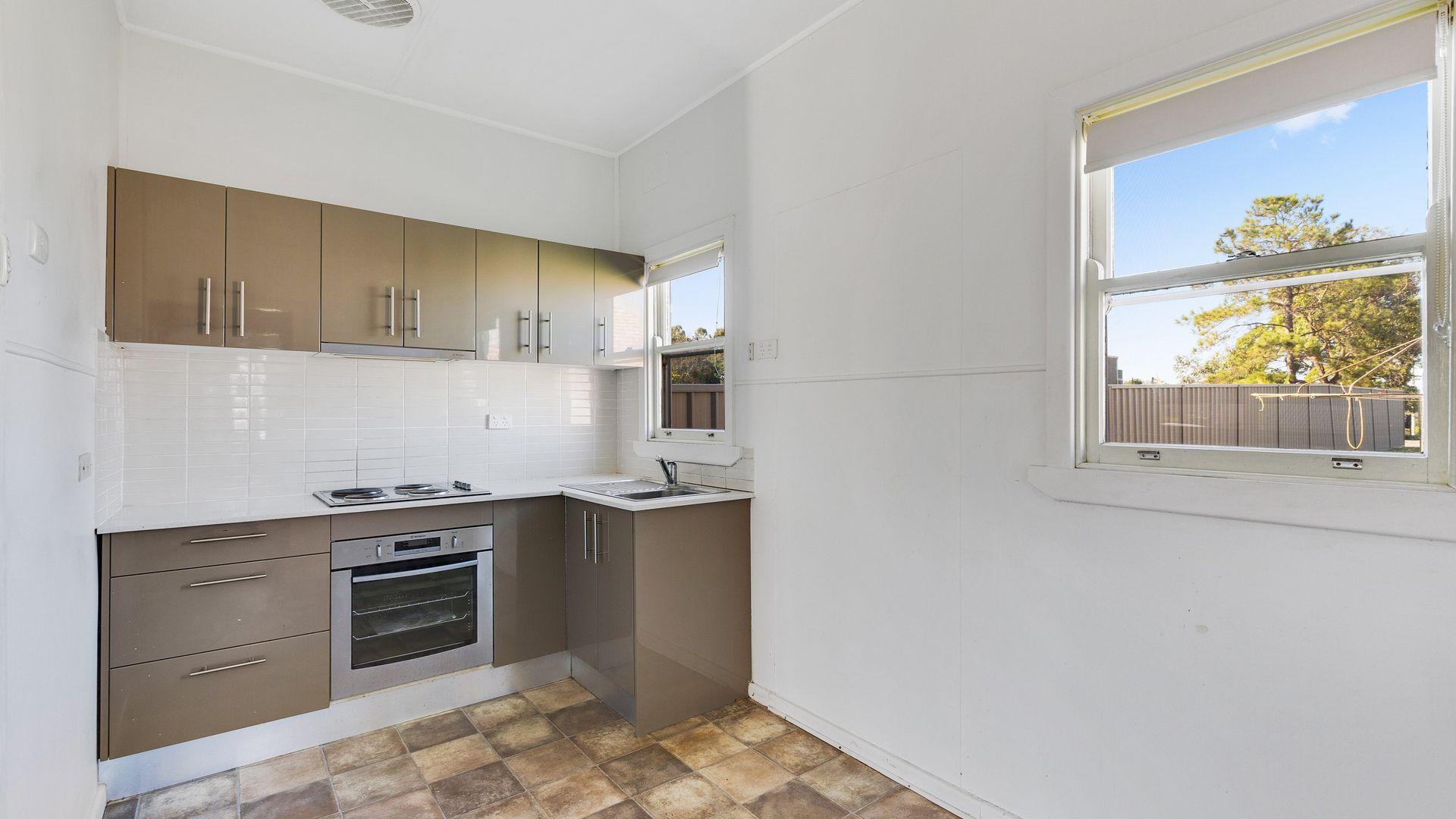 2/14 Yambo Street, Morisset NSW 2264, Image 1