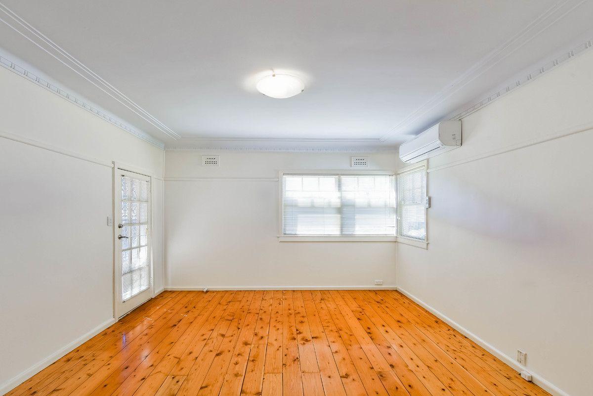 8 Gilbulla Avenue, Camden NSW 2570, Image 1