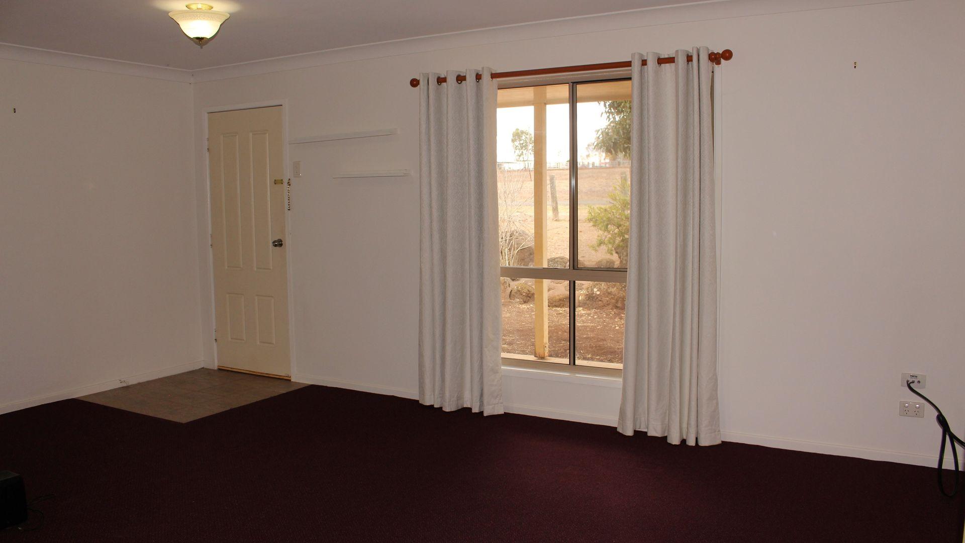 13 John Street, Southbrook QLD 4363, Image 2