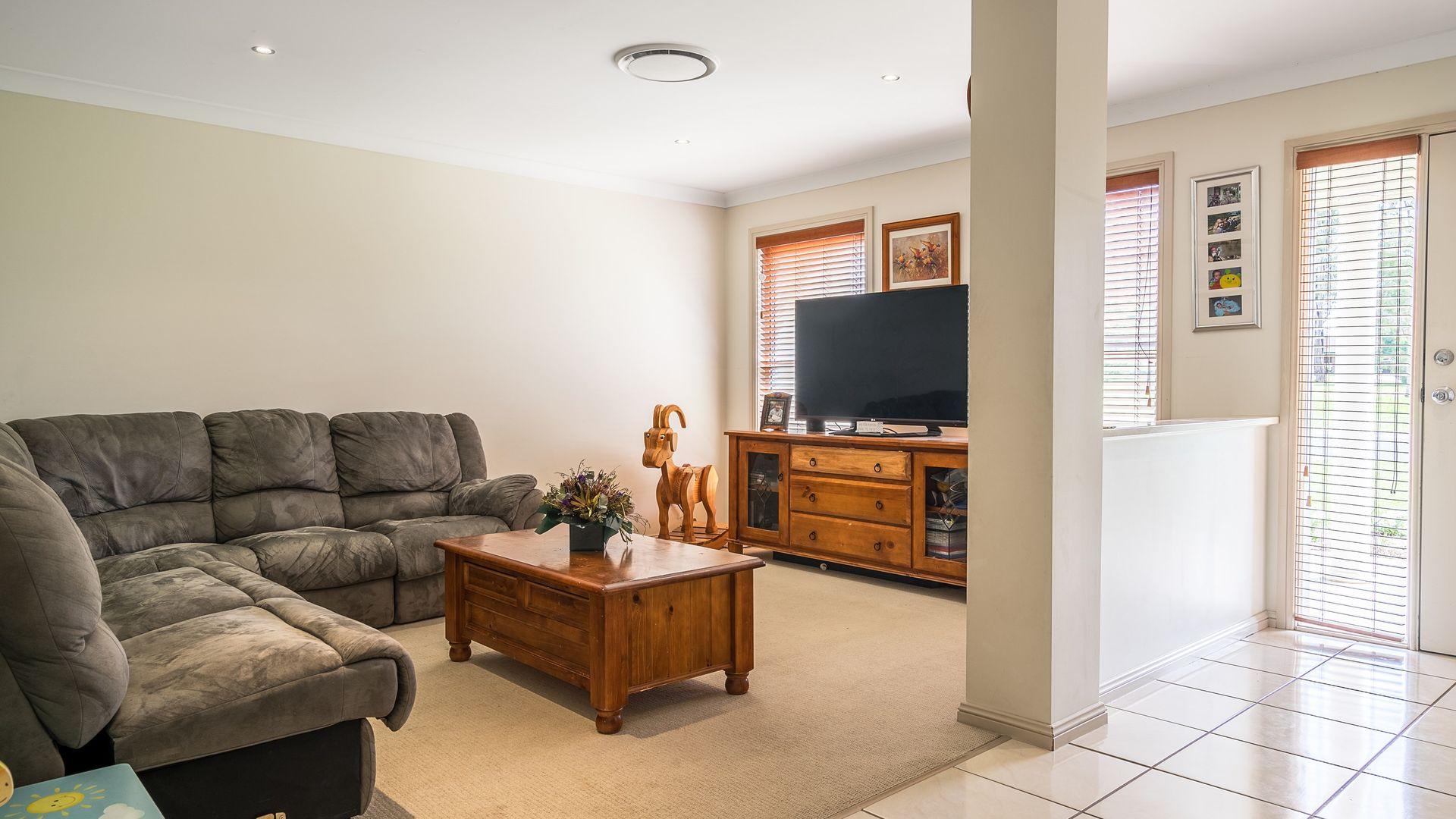 7 Ashlundie Crescent, Dubbo NSW 2830, Image 2