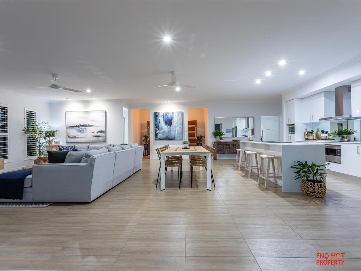 12 Bluewater Lane, Trinity Beach QLD 4879, Image 2
