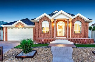 Picture of 3 Calthorpe Green, Caroline Springs VIC 3023