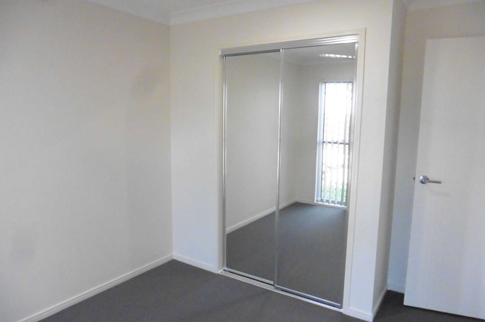 3 Dee Street, Deebing Heights QLD 4306, Image 1