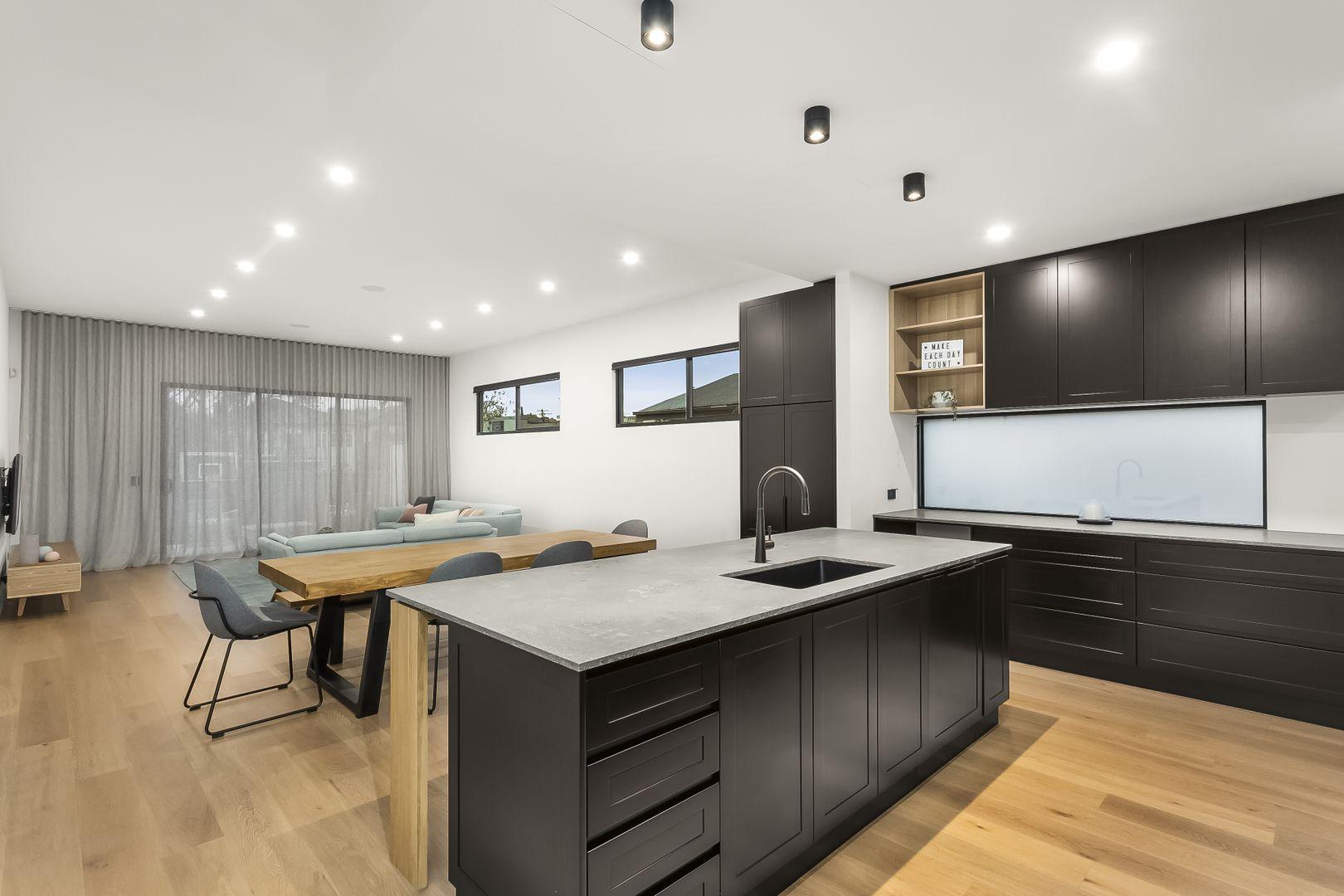 27A Houston Avenue, Strathmore VIC 3041, Image 2