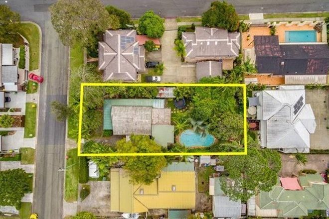 Picture of 137 Eugaree Street, SOUTHPORT QLD 4215