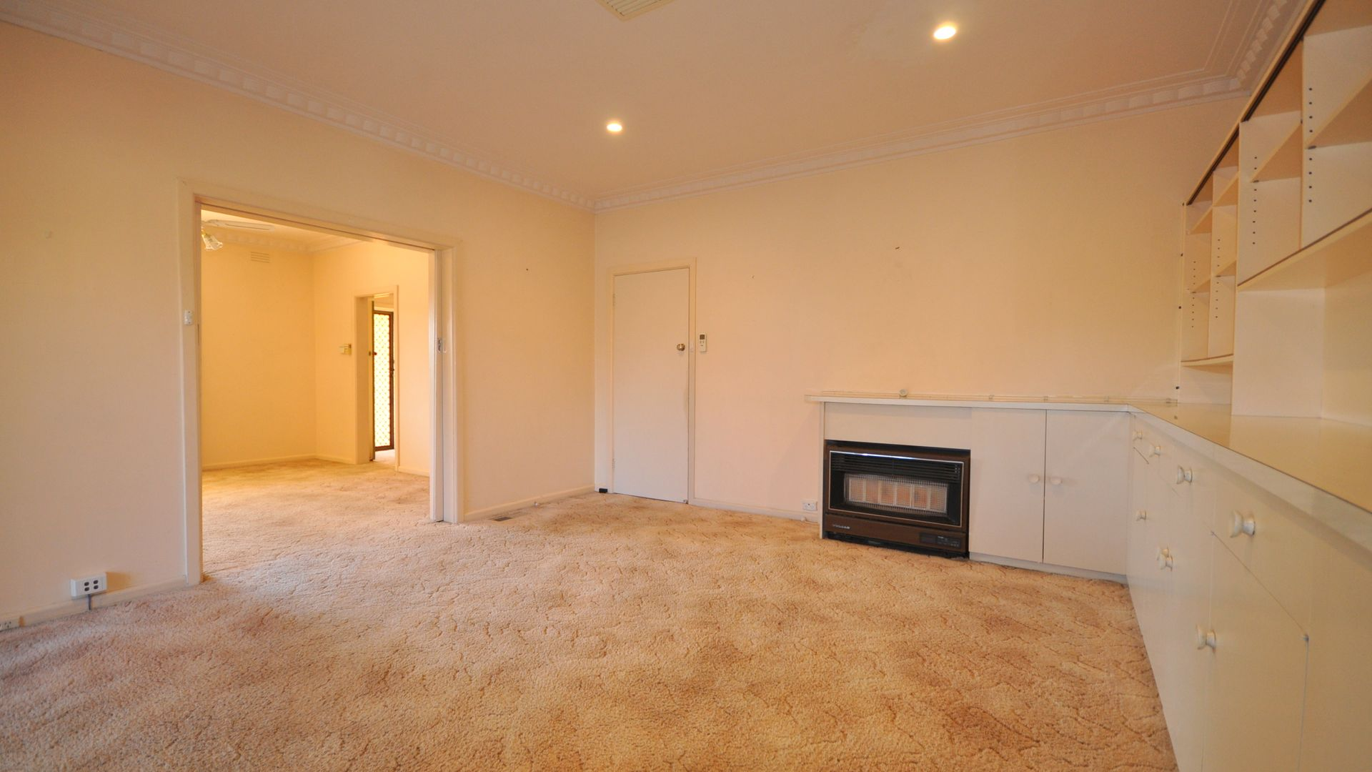239 Walsh Street, East Albury NSW 2640, Image 2