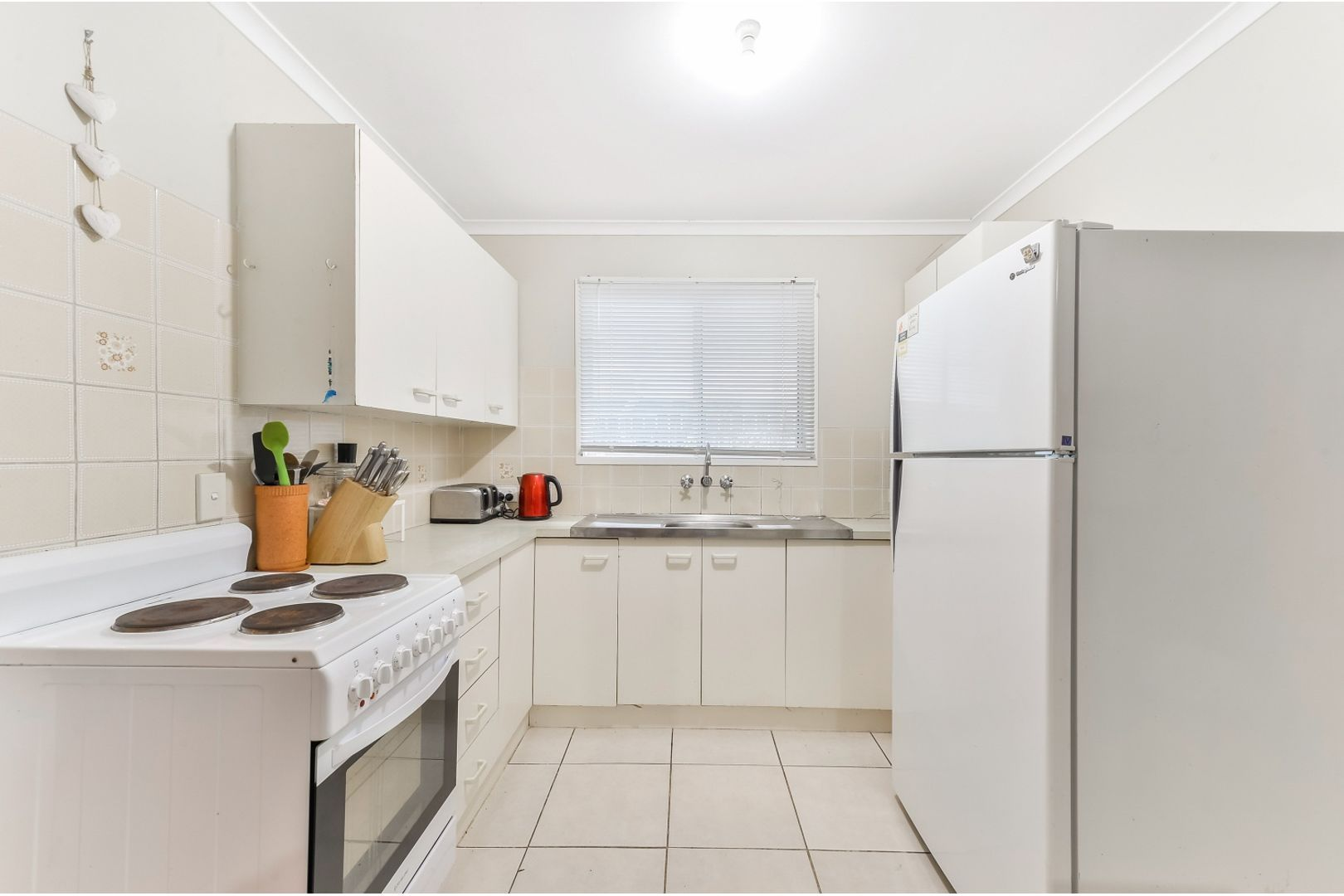 34 Gertrude Street, Redcliffe QLD 4020, Image 2