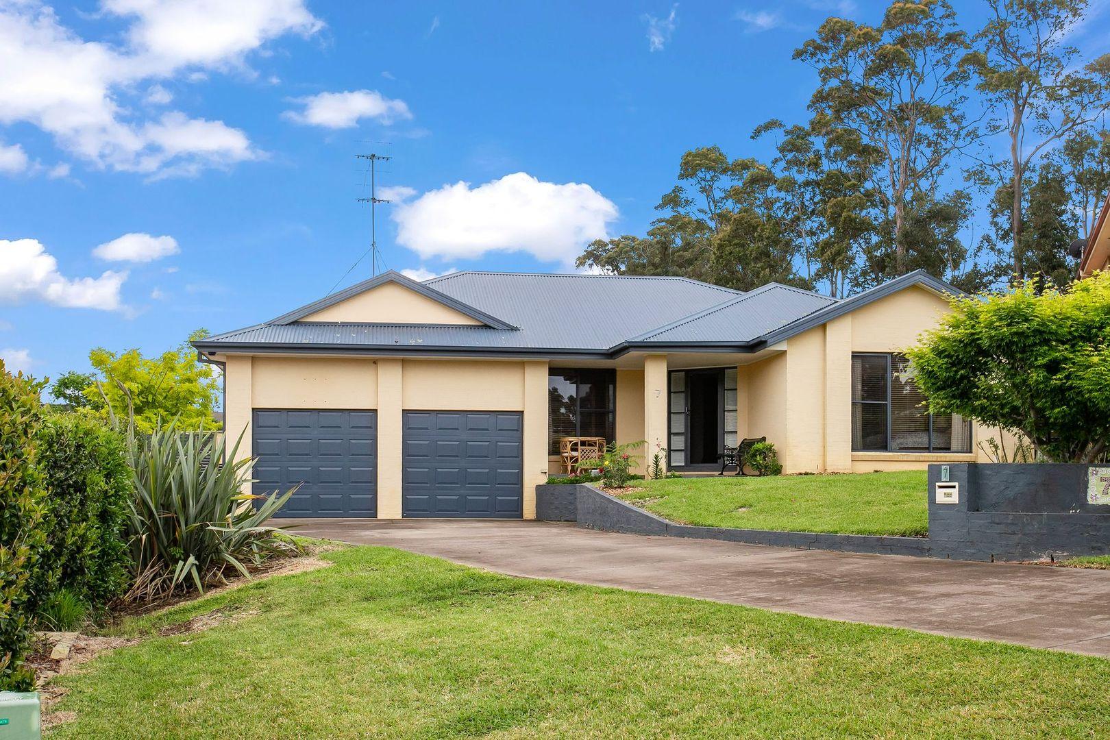 7 Leichhardt Place, Sunshine Bay NSW 2536, Image 0
