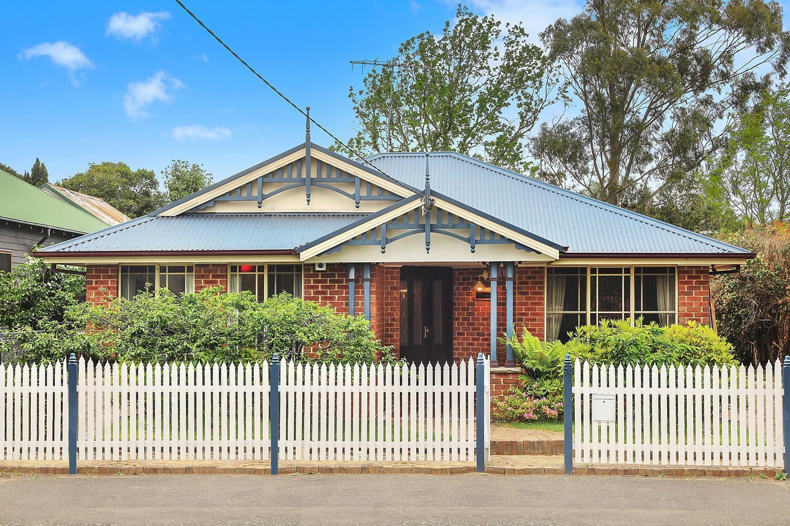 74 Waratah Street, Katoomba NSW 2780, Image 0