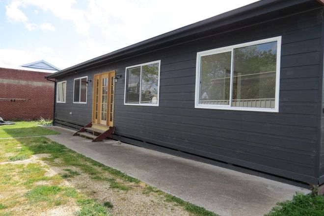 Picture of 18a Russell Street, QUARRY HILL VIC 3550