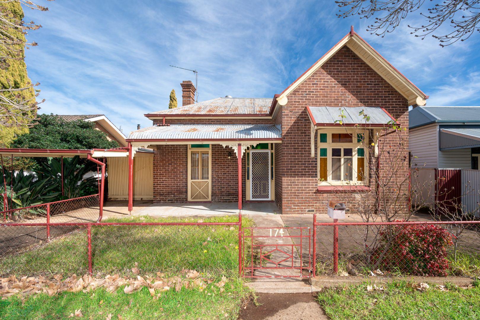 174 DeBoos Street, Temora NSW 2666, Image 2