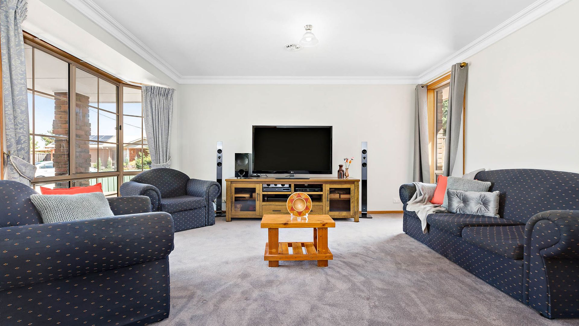 9 Ash Court, Hoppers Crossing VIC 3029, Image 2