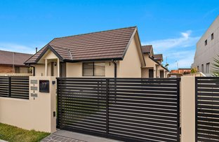 Picture of 2/77 Pur Pur Avenue, Lake Illawarra NSW 2528