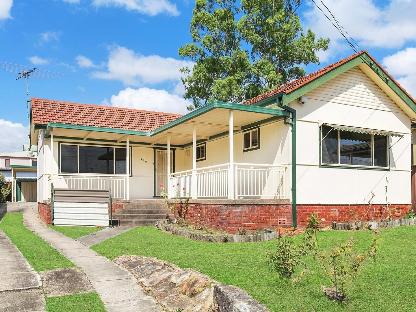 209 Henry Lawson Drive, Georges Hall NSW 2198, Image 0
