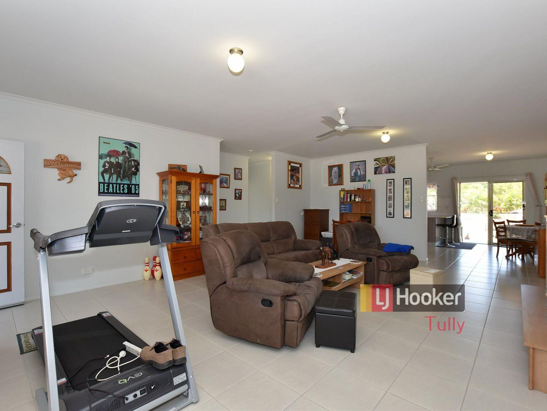 9 Amanda Crescent, Tully Heads QLD 4854, Image 2
