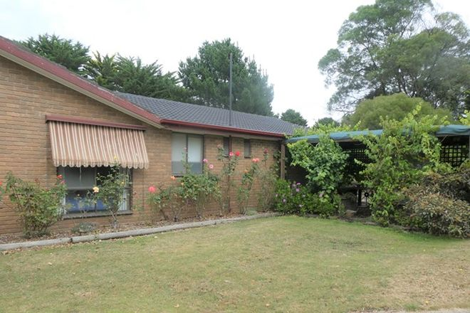 Picture of 39 Gilday Court, HADDON VIC 3351