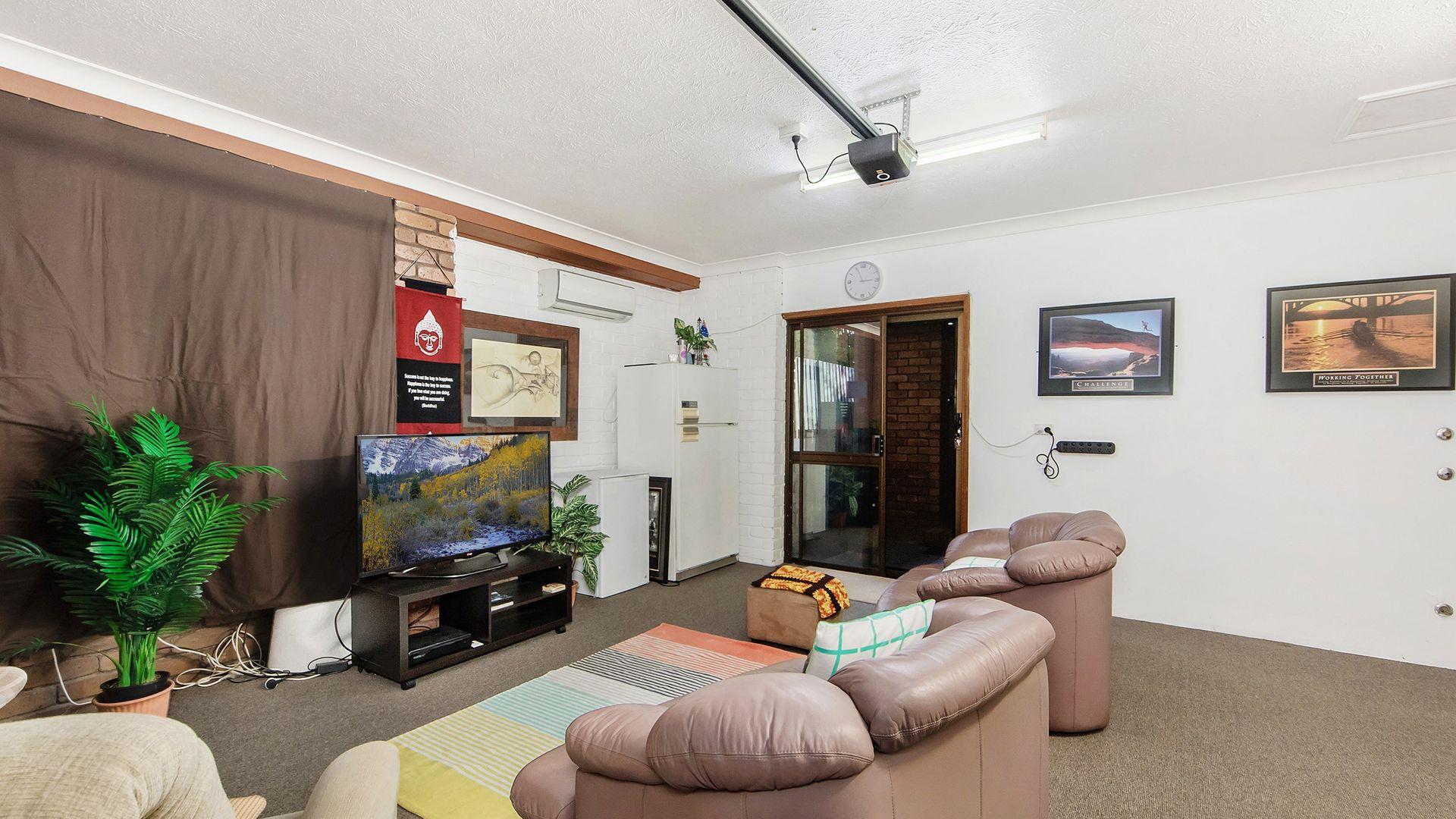 13 Belmore Close, Robina QLD 4226, Image 2
