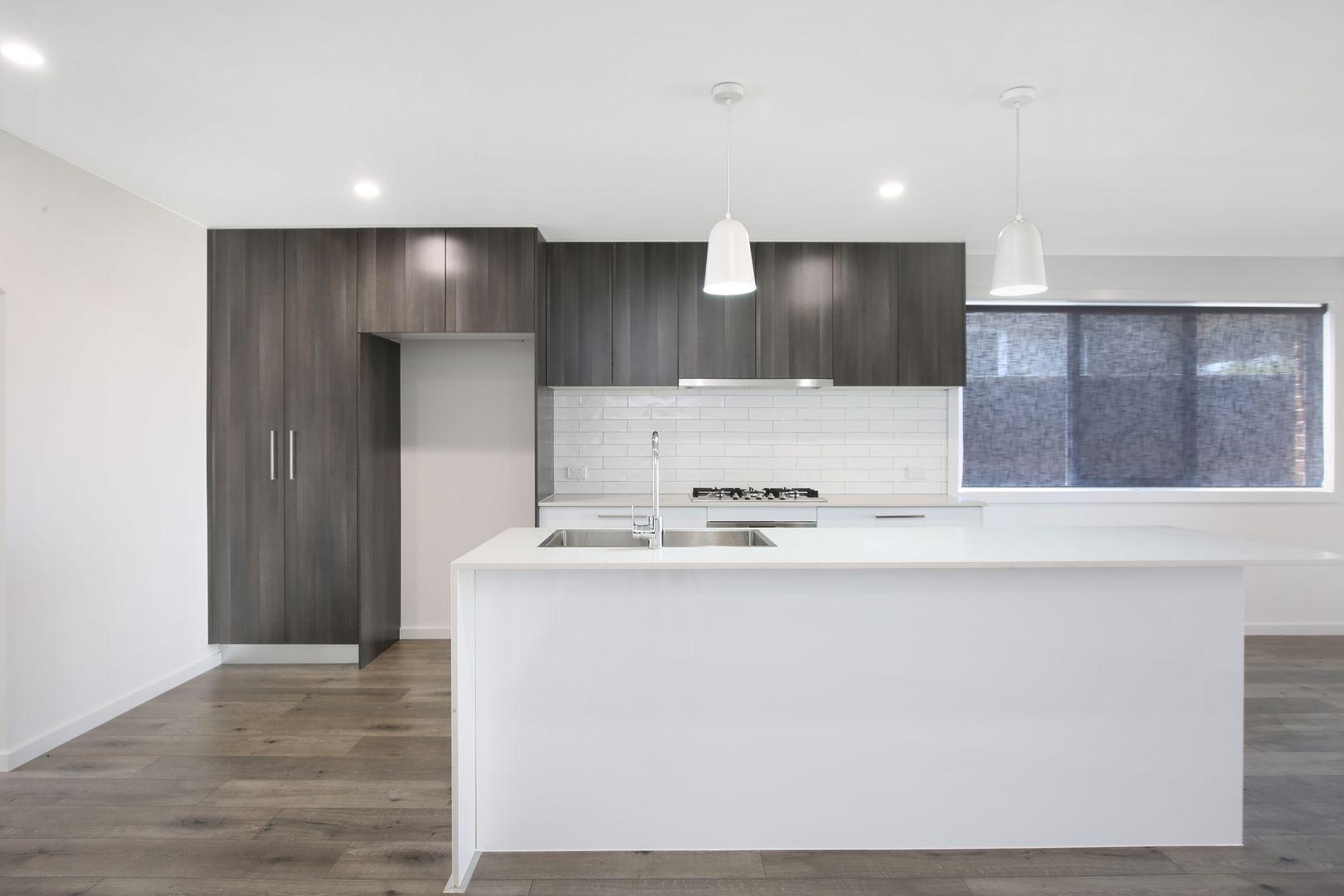 8b Saddleback Crescent, Kembla Grange NSW 2526, Image 0