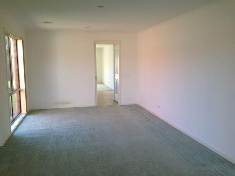 53 Bernborough Avenue, Cranbourne West VIC 3977, Image 1