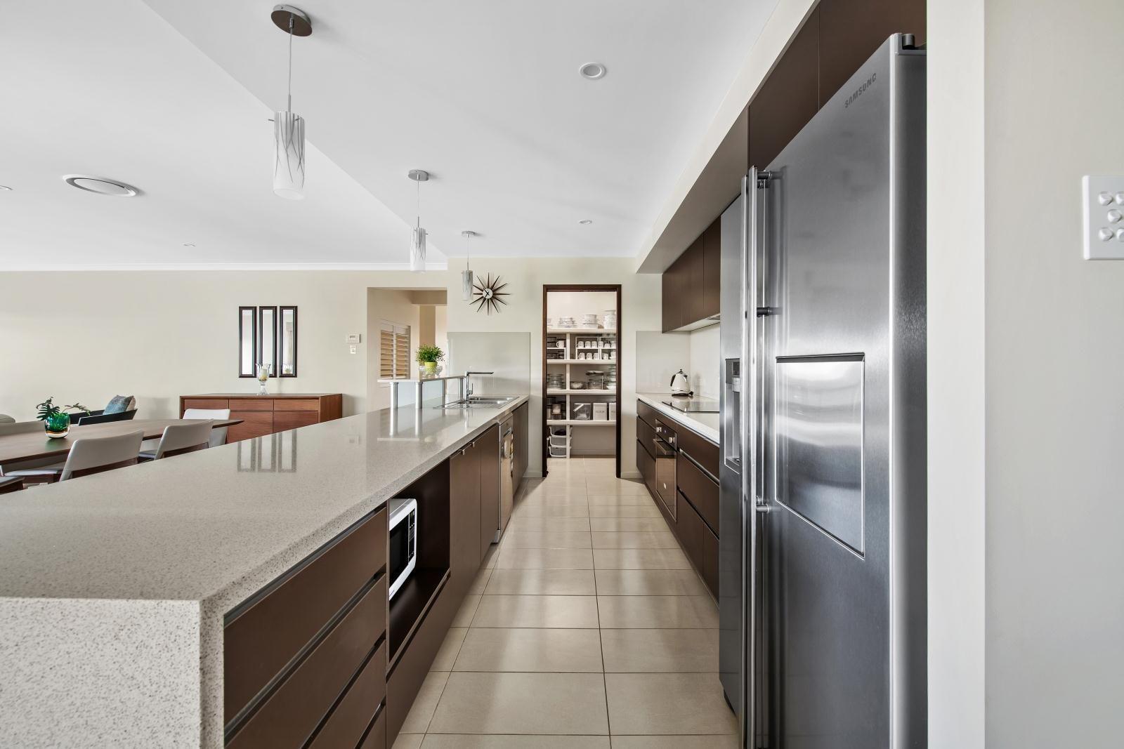 35 Pugh Street, Middle Ridge QLD 4350, Image 2