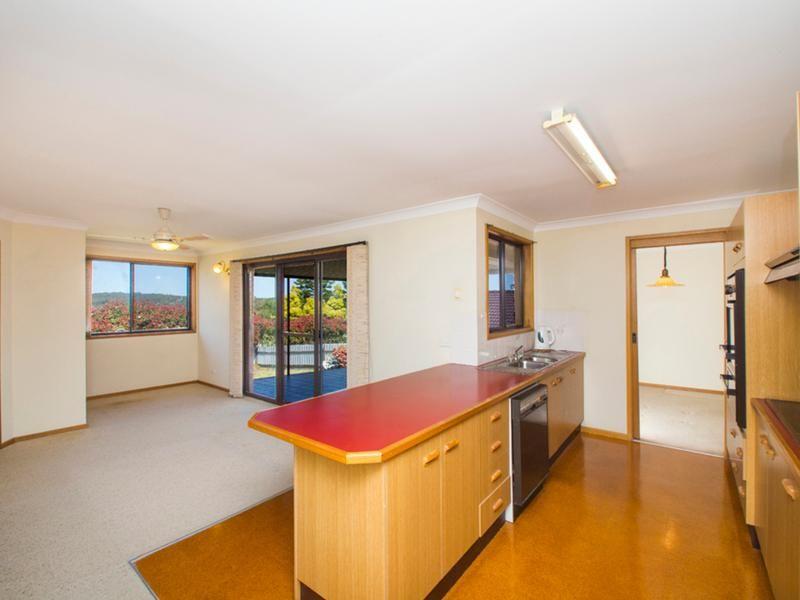 27 Robina Close, Hillsborough NSW 2290, Image 2