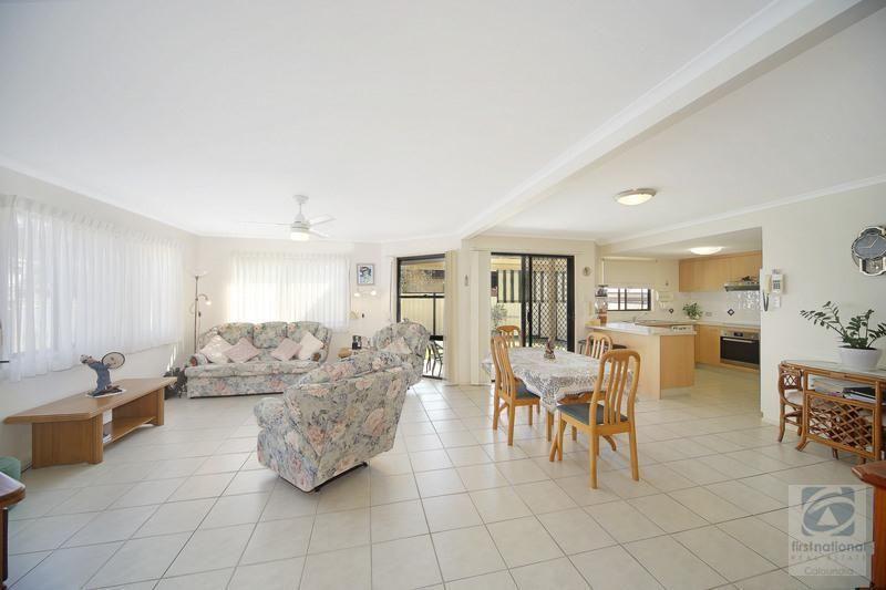 2/5 Oval Avenue, Caloundra QLD 4551, Image 1