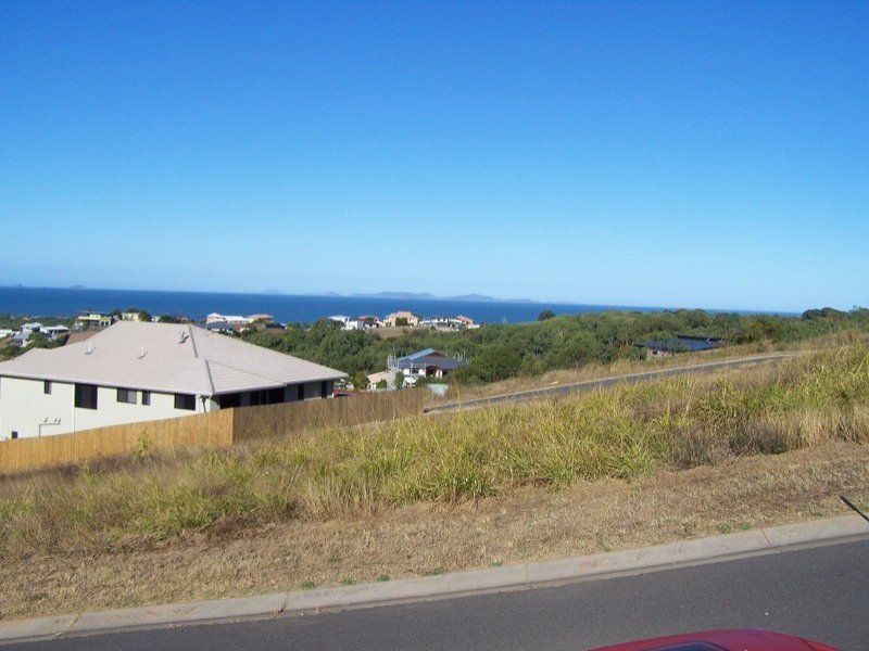 25 Fraser Crescent, Pacific Heights QLD 4703, Image 2