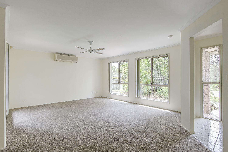 4 Darryl Street, Loganlea QLD 4131, Image 2