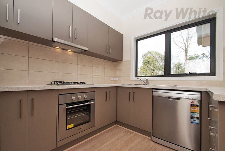 2/9 THACKERAY COURT, Croydon VIC 3136, Image 2