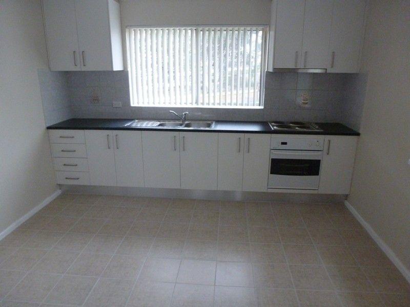 58 Elizabeth Crescent, Queanbeyan NSW 2620, Image 2