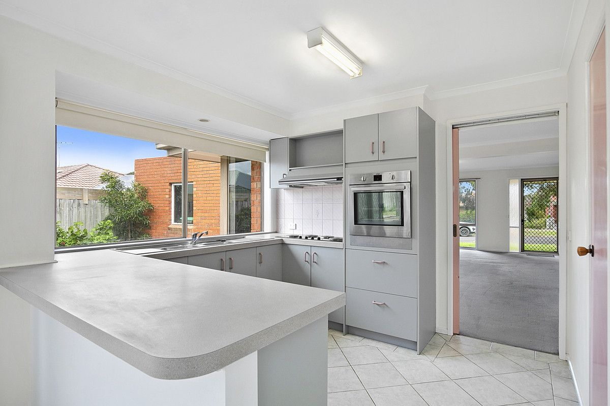 1 Scammell Crescent, Torquay VIC 3228, Image 2