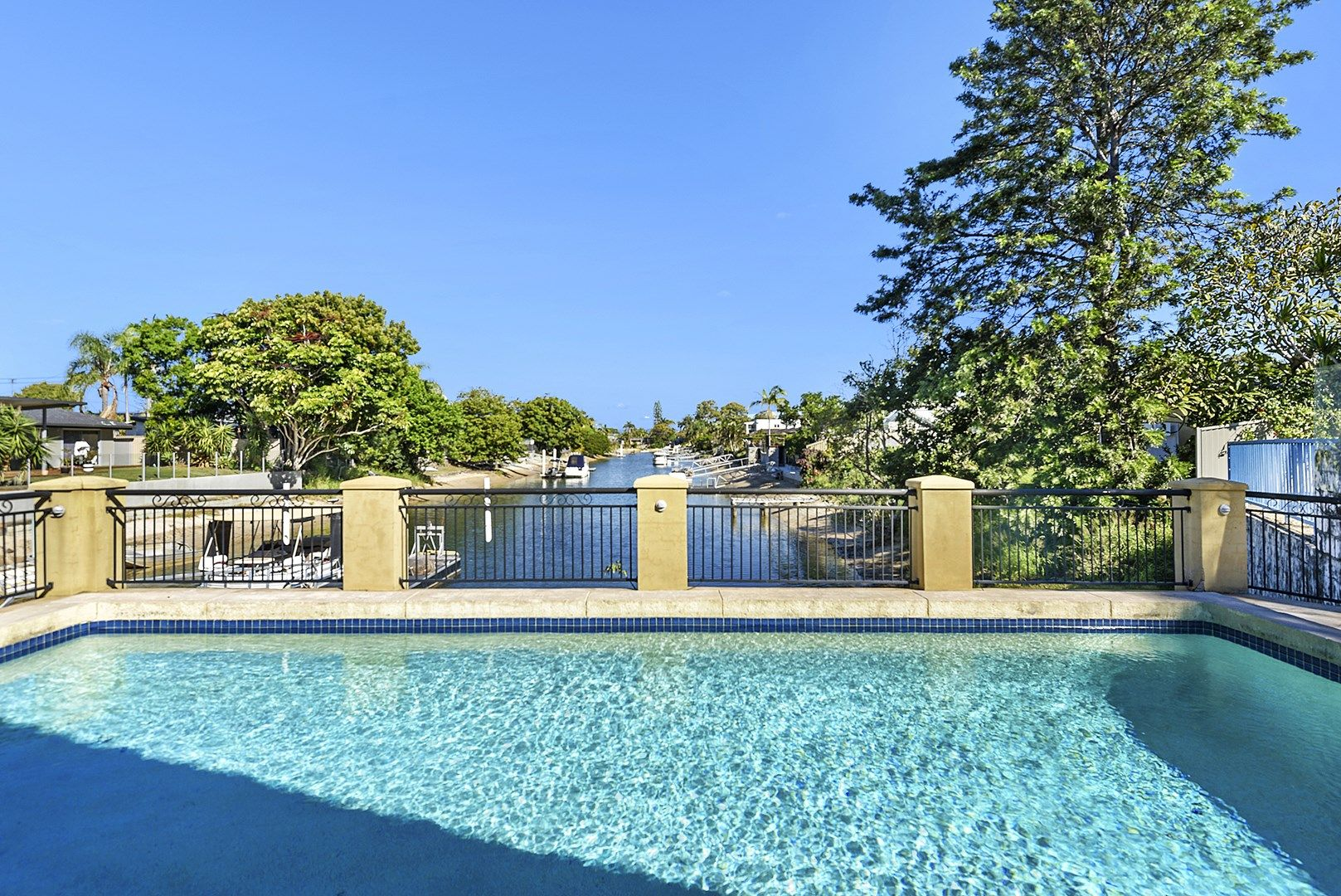 68 T E Peters Drive, Broadbeach Waters QLD 4218, Image 0