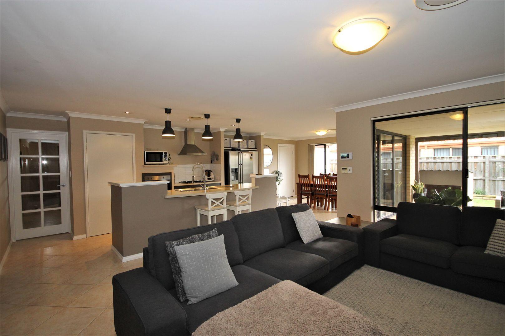 103 Barton Drive, Australind WA 6233, Image 2
