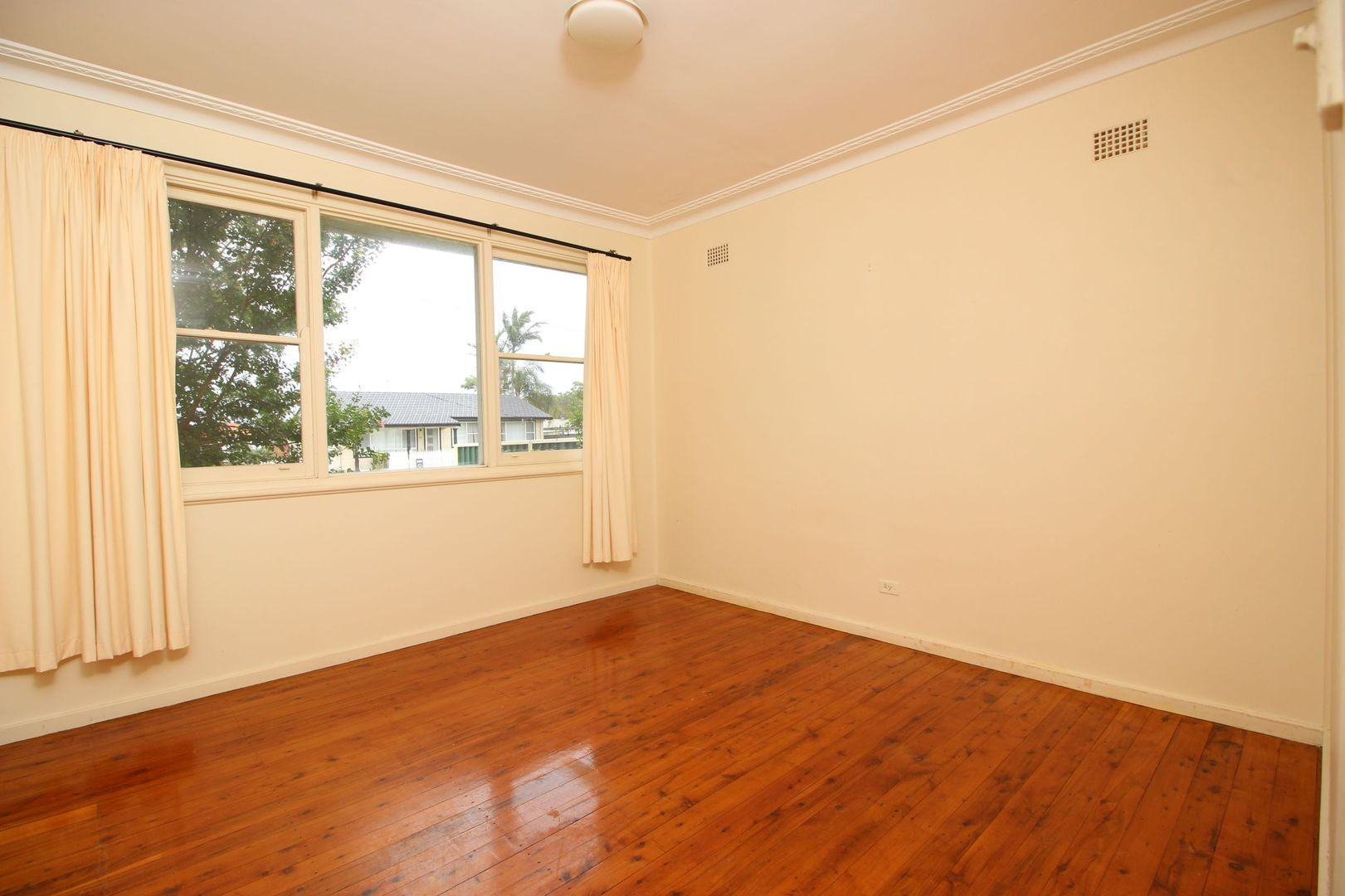 23 Sampson Avenue, Belmont North NSW 2280, Image 2