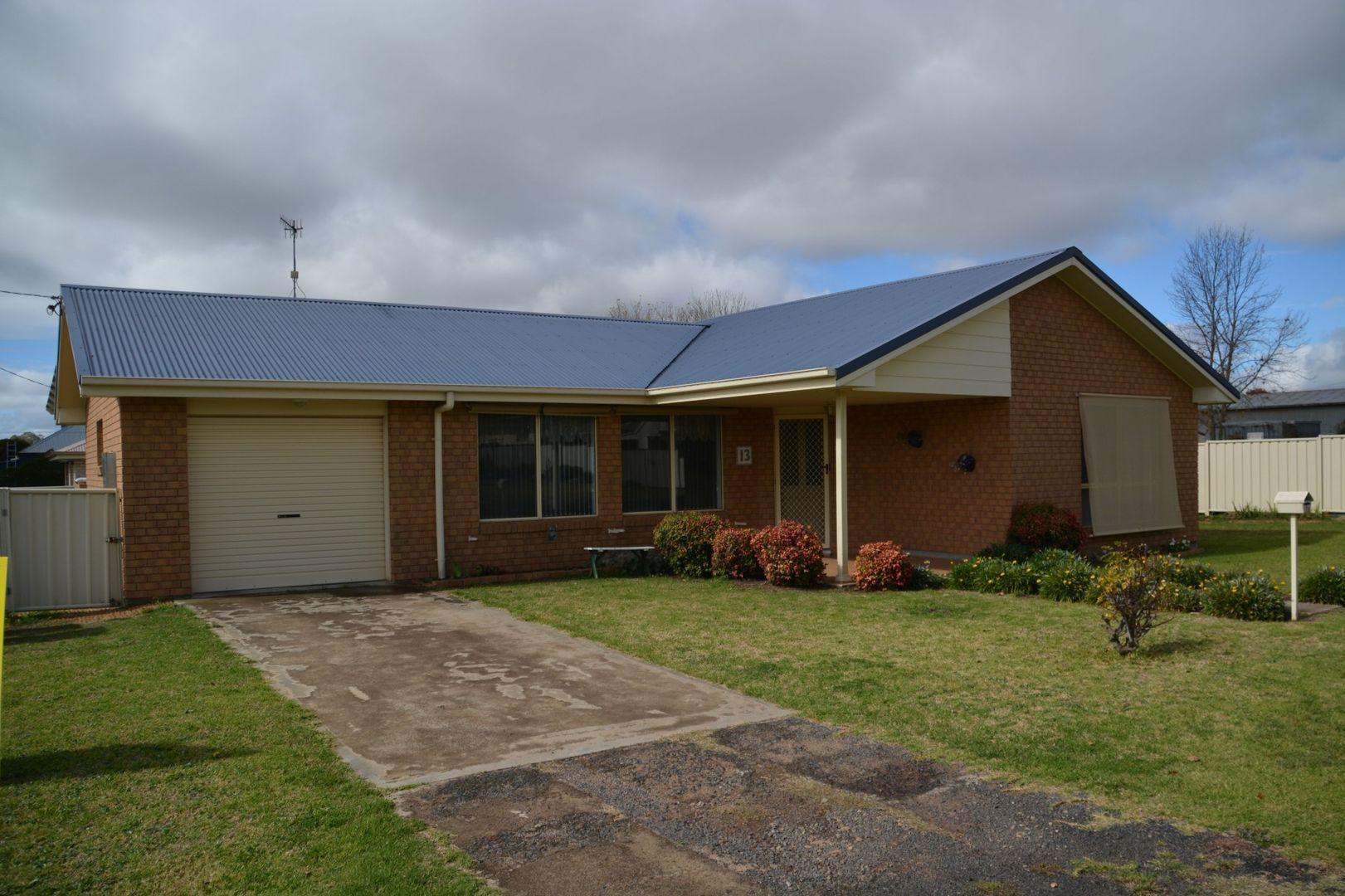 13 Coates Lane, Glen Innes NSW 2370, Image 0